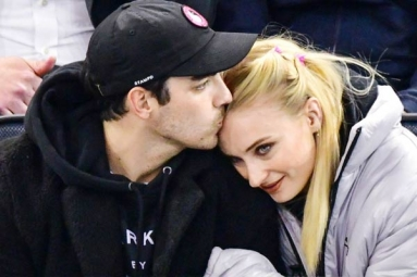 Joe Jonas and Sophie Turner Get Married in a Private Ceremony in Las Vegas
