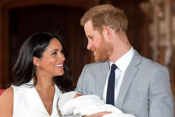 Mumbai's Dabbawalas to Gift Special Set of Jewelry to UK's Royal Baby